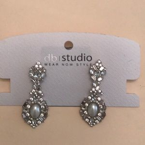 NWT davids bridal studio earrings